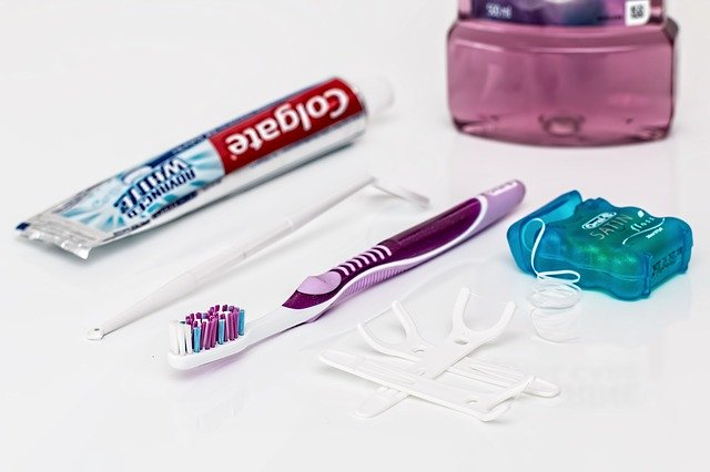 Denti sani: i 7 consigli per denti belli a lungo