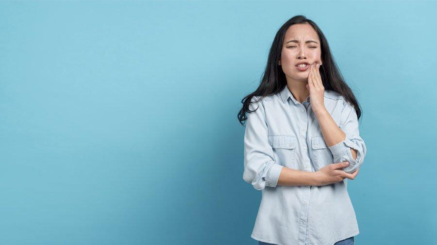 Come smettere di digrignare i denti: soluzioni e rimedi